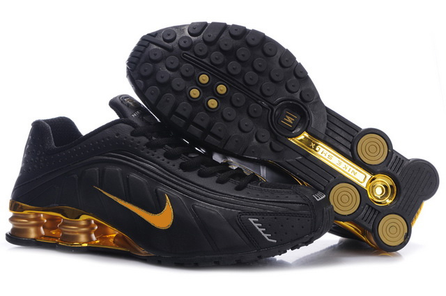 031JG17 2014 Nike Shox R4 Chaussures Noir D'Or Homme