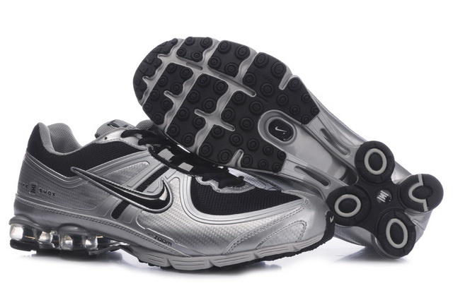 487LT65 2014 Homme Nike Shox R4 Chaussures Silvery Noir