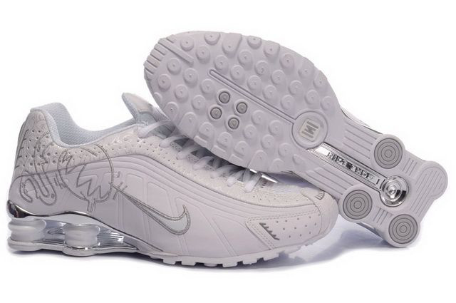 Femme Nike Shox R4 Chaussures 843LD91 2014 Blanc And Silvery